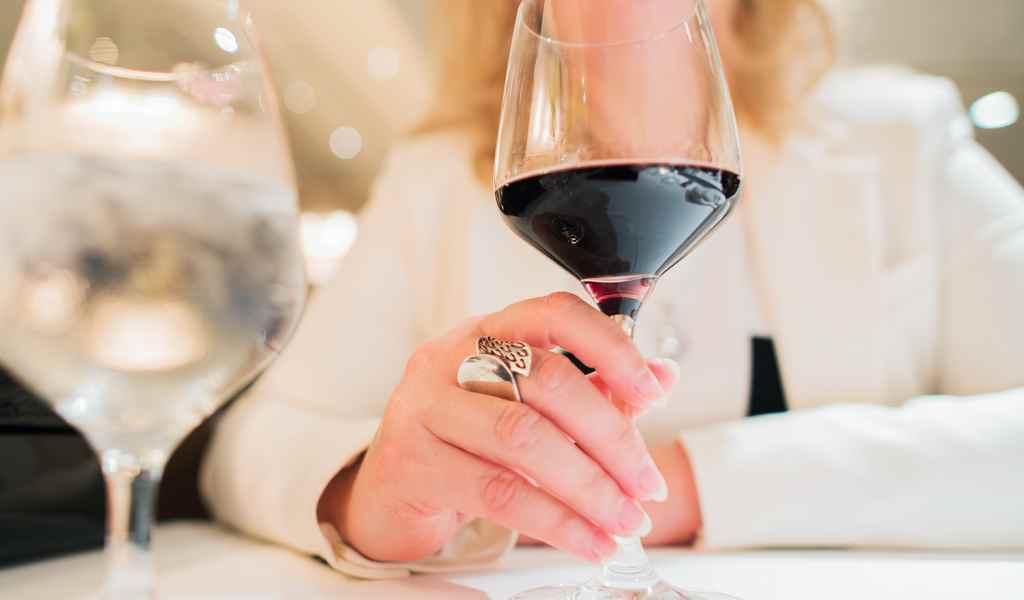 Лечение женского алкоголизма в Алпатьево анонимно